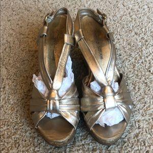 Antonio Melani Gold Wedge Sandal Size 7